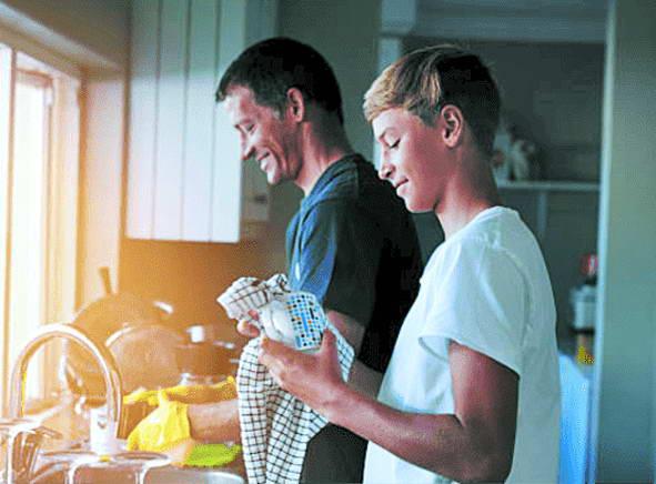 Через сором підлітки рідко звертаються до батьків з проблемами інтимного характеру. Здебільшого радяться з друзями... Тому будуйте зі своїми дітьми довірливі стосунки!