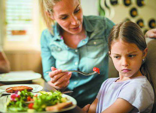 Хочете, аби ваші діти віддавали перевагу здоровій їжі? Вчіть їх на власному прикладі і наберіться терпіння – на зміну стилю харчування доведеться витратити… щонайменше рік.