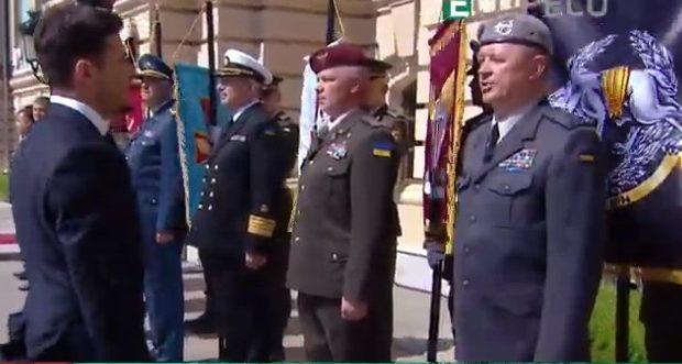 Демарш на інавгурації: глави СБУ і ССО не віддали честь Зеленському